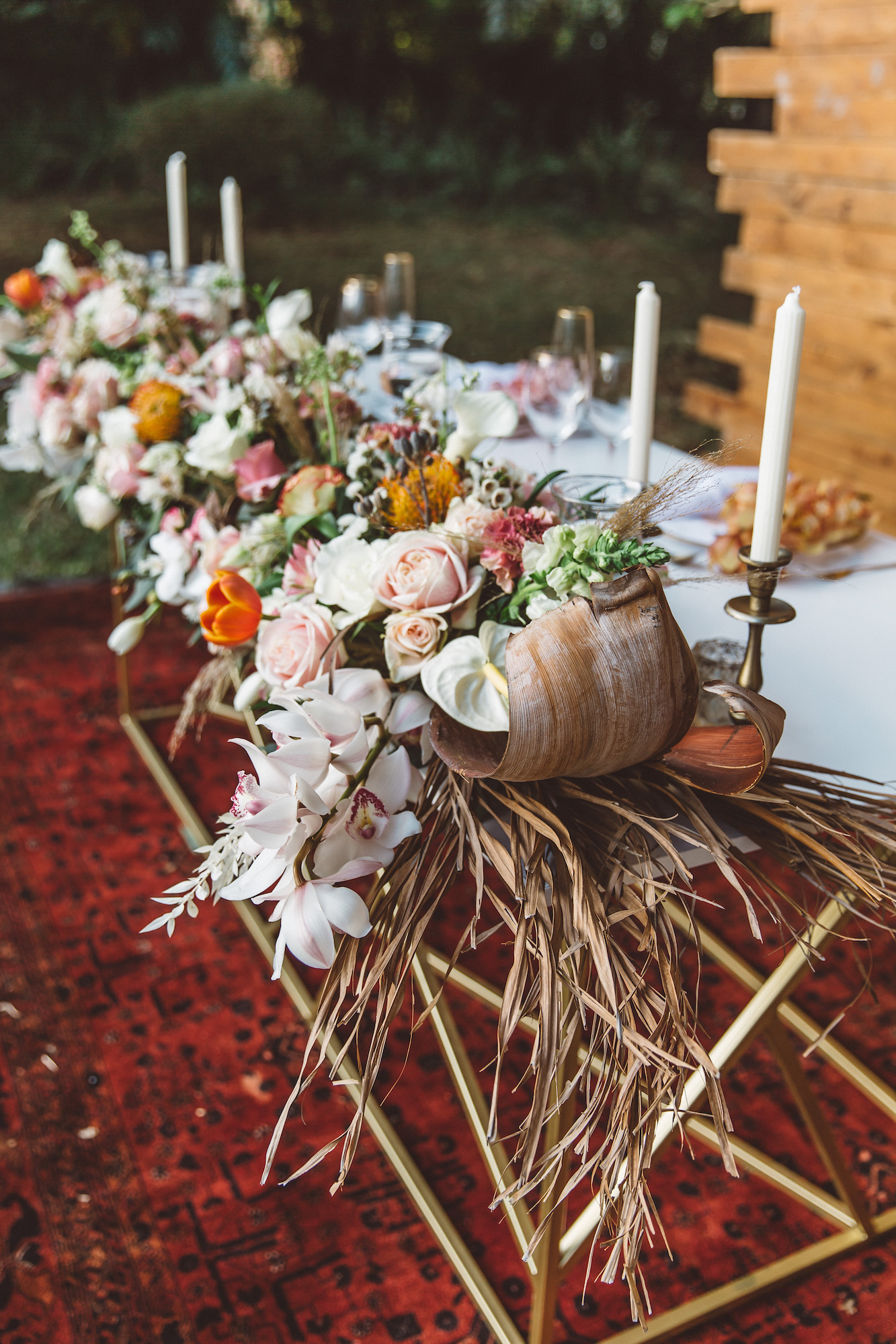 wedding table decor and floral setup