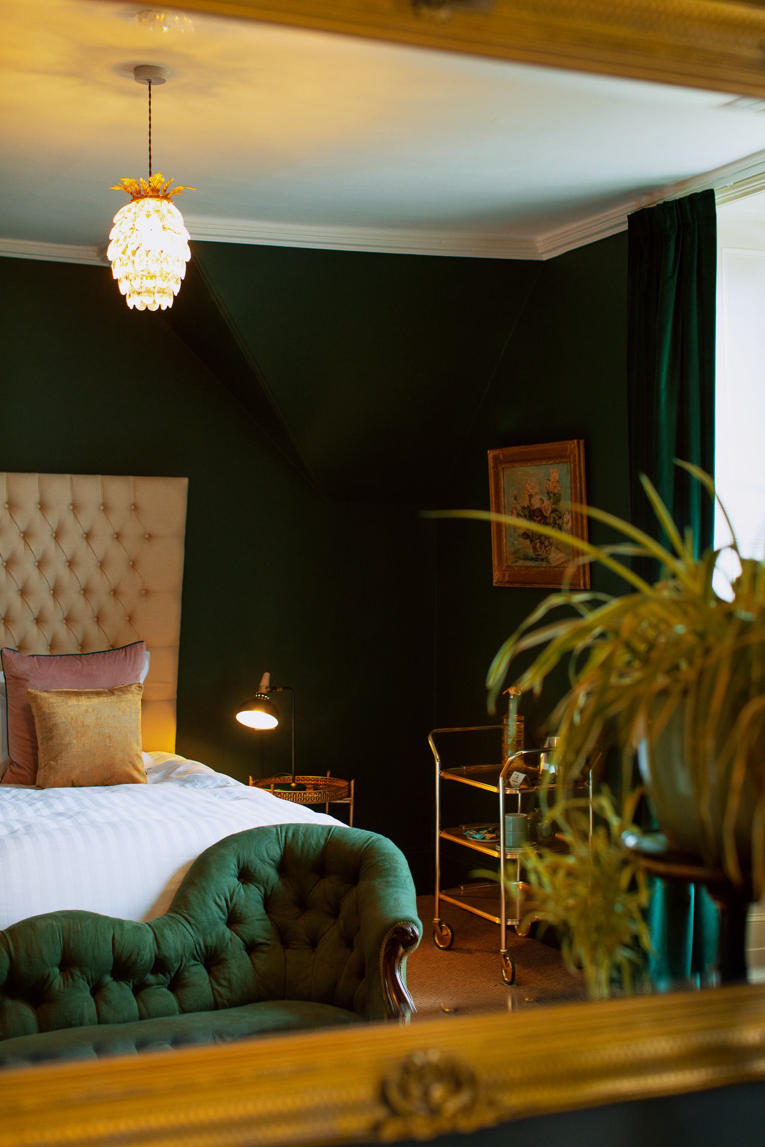 Room 5 -