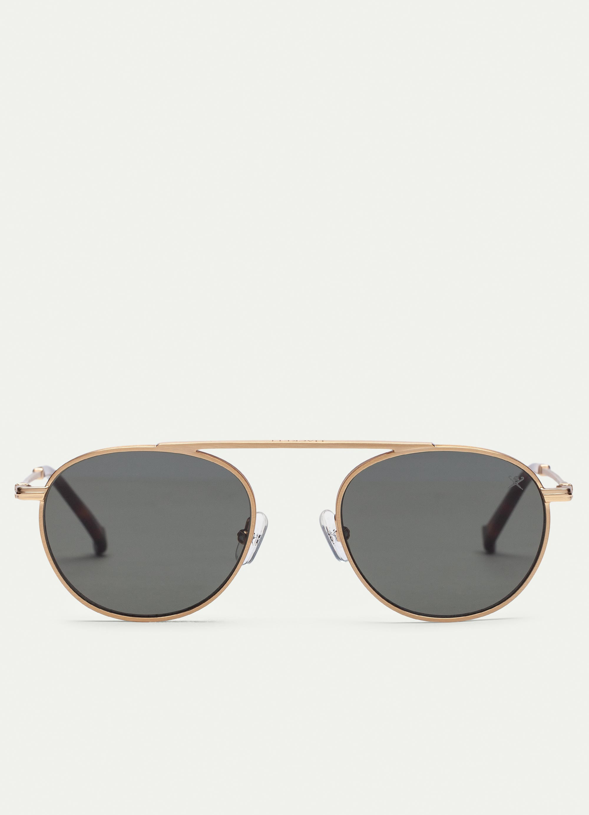 SUNGLASSES IN BRUSH GOLD - Carefully crafted using only the finest parts and materials, the discreet branding will give you a sense of the Rivera.