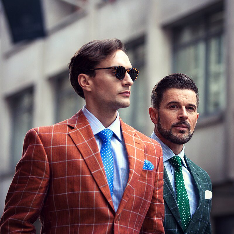 Premium jacekts on sale - Now's the time to discover these brillian premium jackets from Harvie & Hudson. Chose from a variety of jackets made out of 100% linen.