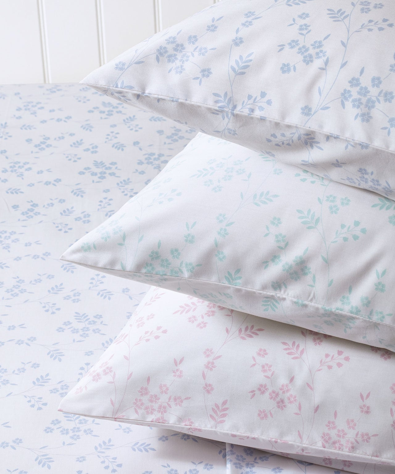 bedroom refresh - If you're looking for to add more comfort and style to your bedroom, look no further.