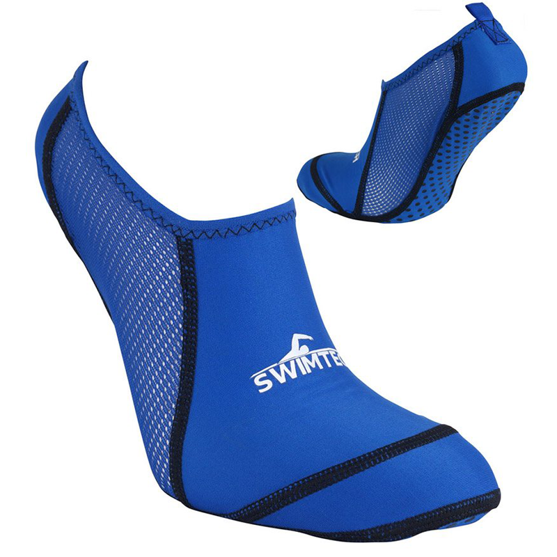 junior pool socks - Breathable pool sock with anti-slip sole providing excellent grip around the pool and ergonomic fit for great comfort.