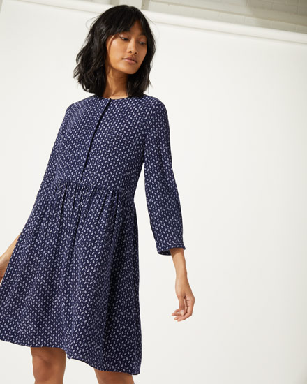 sale dresses and jumpsuits - Need we say more about why we love this sale edit? Uncover a collection of discounted dresses, beautifully made from the finest fabrics and featuring exclusive prints by Jigsaw in-house artists.