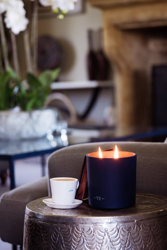 free luxury candle - Get a free luxury from Charles Farriscandle when you spend £40!Established in Bishopsgate, London, Charles Farris has been manufacturing luxury candles since 1845. By appointment to Her Majesty the Queen, this historic London Company is the ultimate candle maker. Free Gift will be automatically applied at checkout.