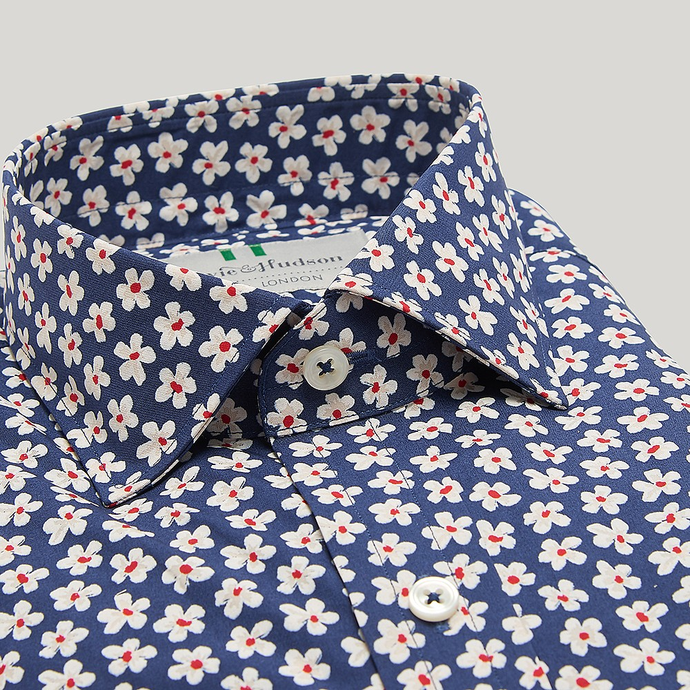NAVY 100% COTTON CASUAL SHIRT - Discover this plain Navy cotton casual shirt in Harvie & Hudson sale, now prices at £35.Made of 100% Cotton. Every Harvie and Hudson piece is carefully constructed with attention to detail and created to last.