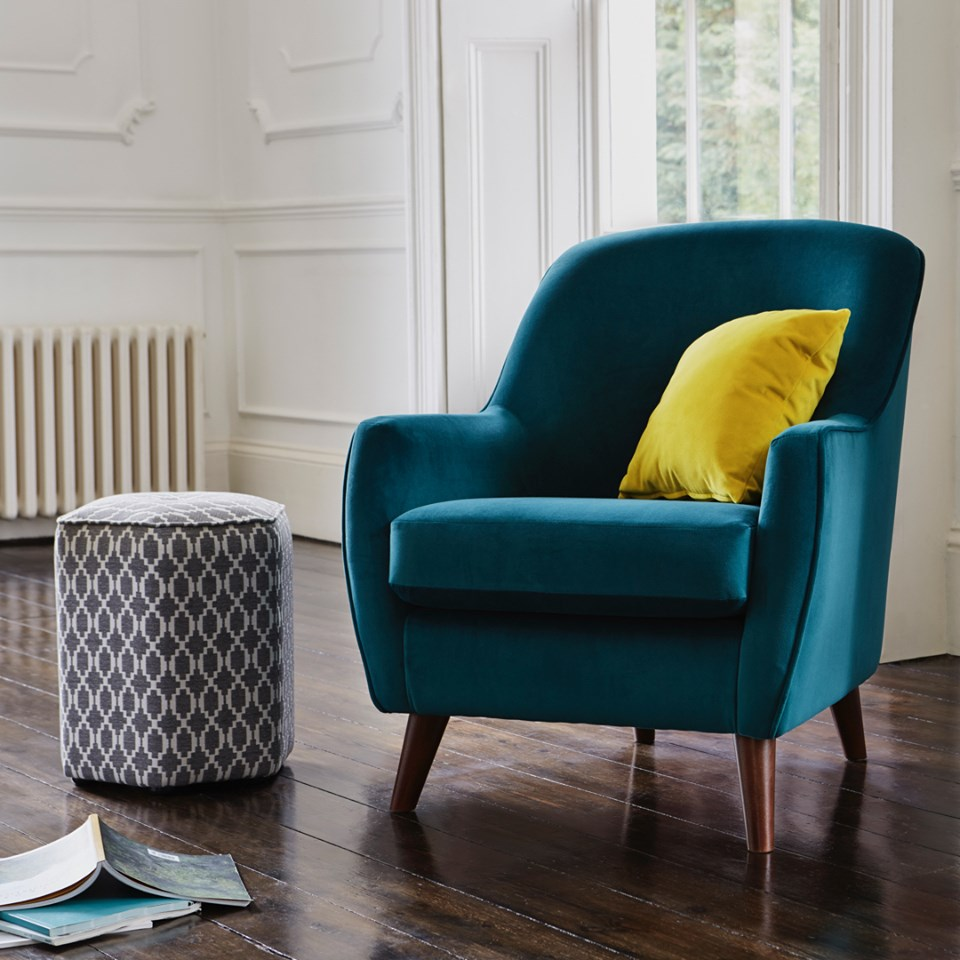 Reduced to clear - For timeless high-end style and a wealth of option chose this clearance from Furniture Village. You'll save up to 50% on beautiful new furniture. Plus, for a limited time only, you'll save an EXTRA 10% OFF clearance prices – in store and online.