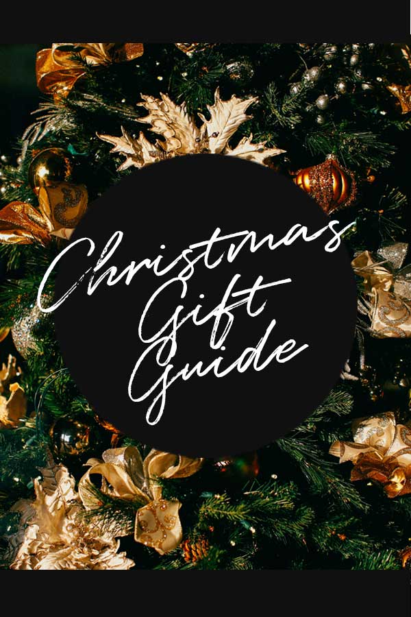 Discover 2018's best Christmas Gift Guide to indulge yourself and your friends in merry presents and gift of different shape and colours for all budgets.