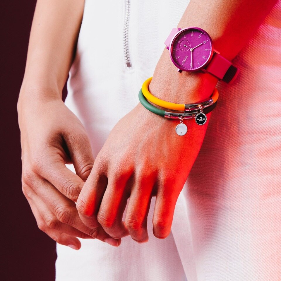 up to 60% off jewellery - Add colour and fun to your everyday life with this blightly coloured jewellery sale from Skagen. Inspired by the townhouses of Copenhagen's Nyhavn district, you'll be ahead of the trends with the latest discounted jewelery lines.