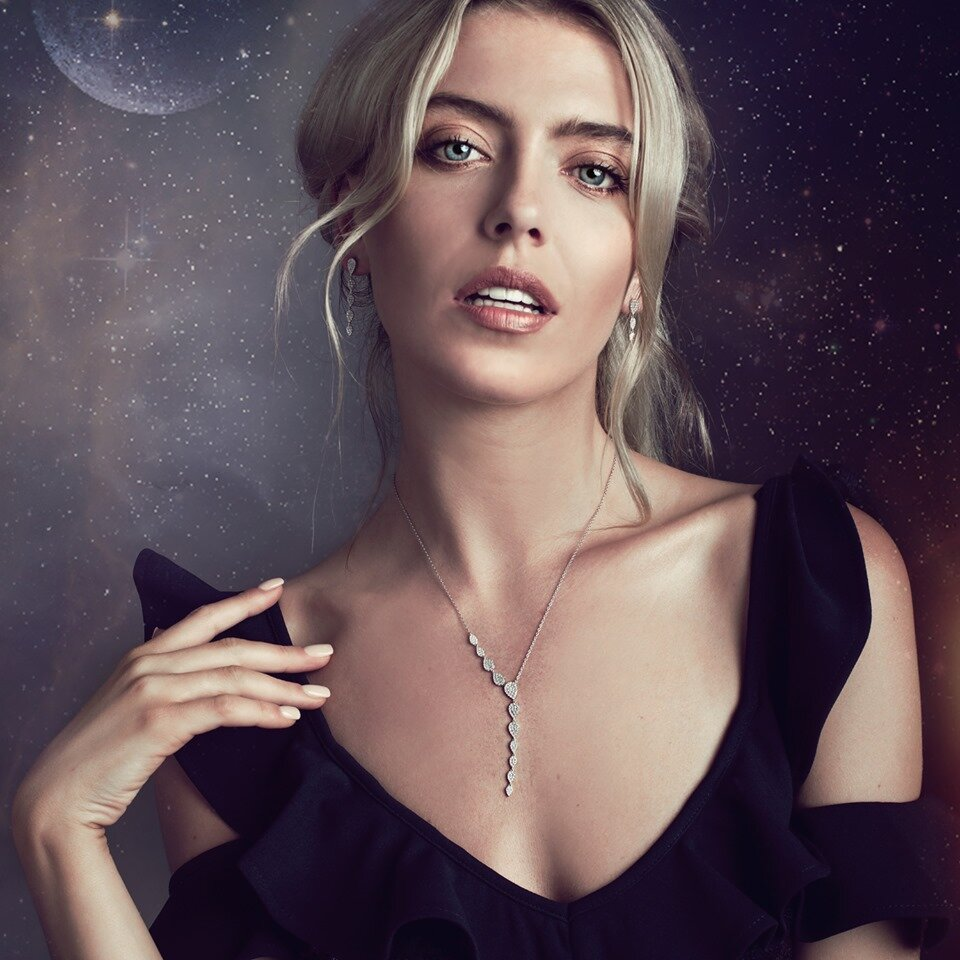 Get 70% Off John Greed Necklaces - Reflect your personality and style with John Greed's range of women's necklaces. From silver and gold layered necklaces to statement chokers, you'll find the perfect range of discounted necklaces to fit all those special ocassions.