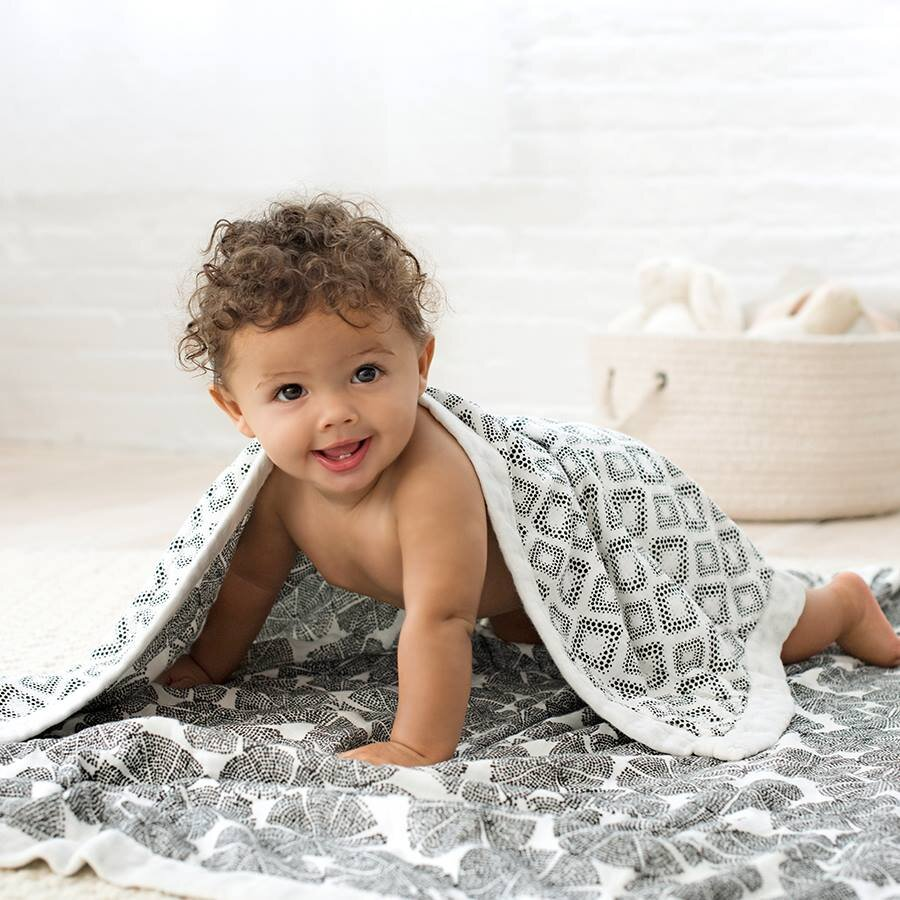 up to 40% off dream blankets - Perfect for both newborns and toddlers, the generously-sized blanket ensures playtime, cuddle time and bedtime are nothing less than dreamy. Now available with up to 40% off discount in the Aden + Anais sale.