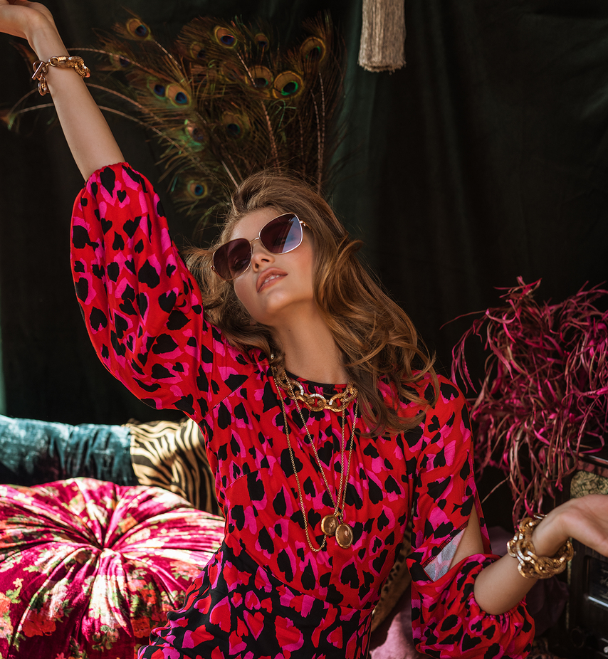 closet london - Much loved for it's elegant designs, feminine dresses and stunning prints, Closet London begin life in East London. The idea of creating womenswear perfect for day-to-night crossed their mind and luckily for us all it also came to life.