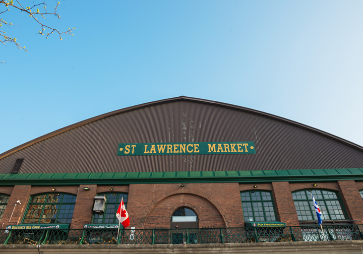 Market-Island-Tour-Guided-Toronto-st-lawrence-market.jpg