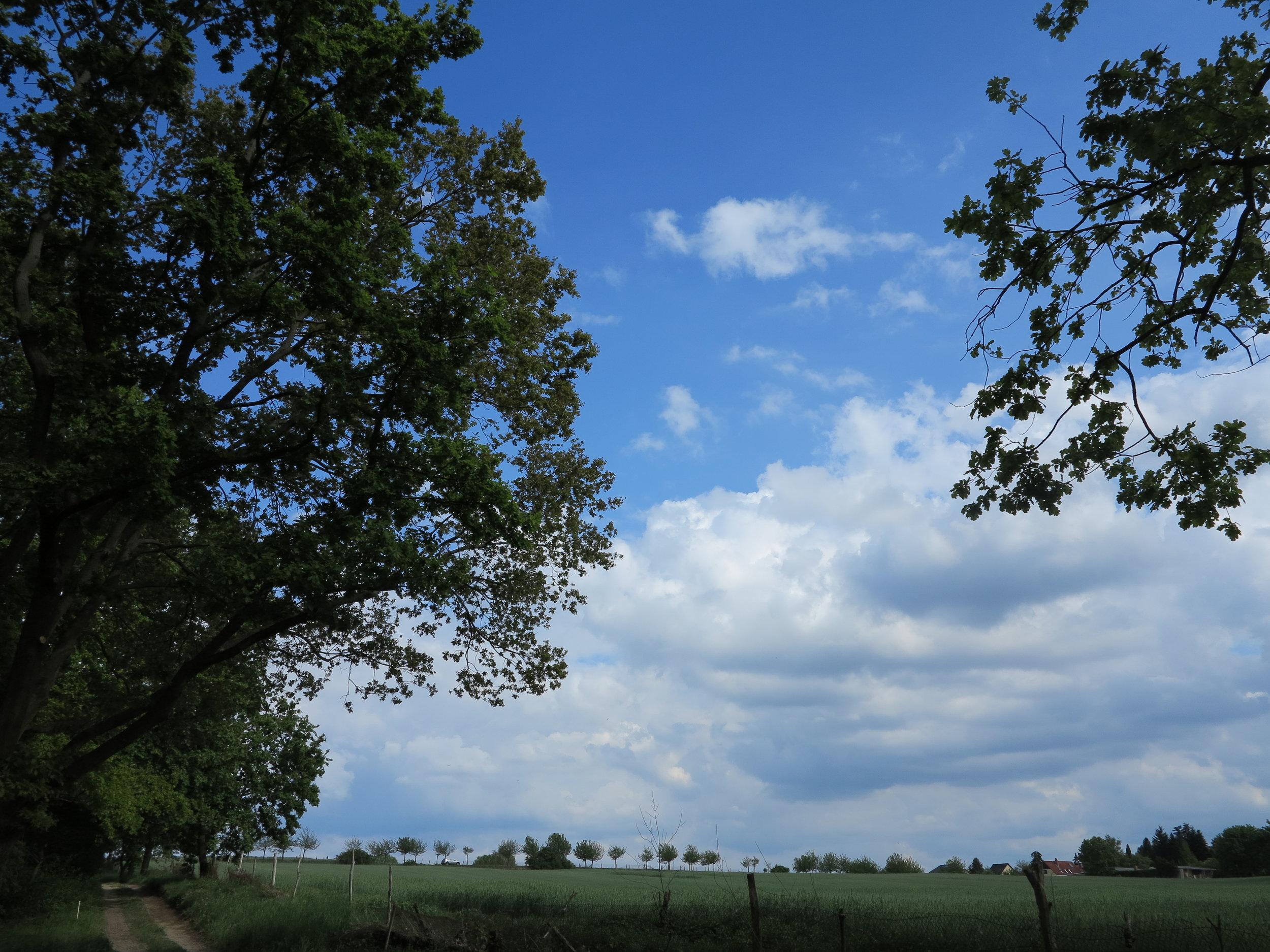 Traumlage zwischen Feldern und Seen