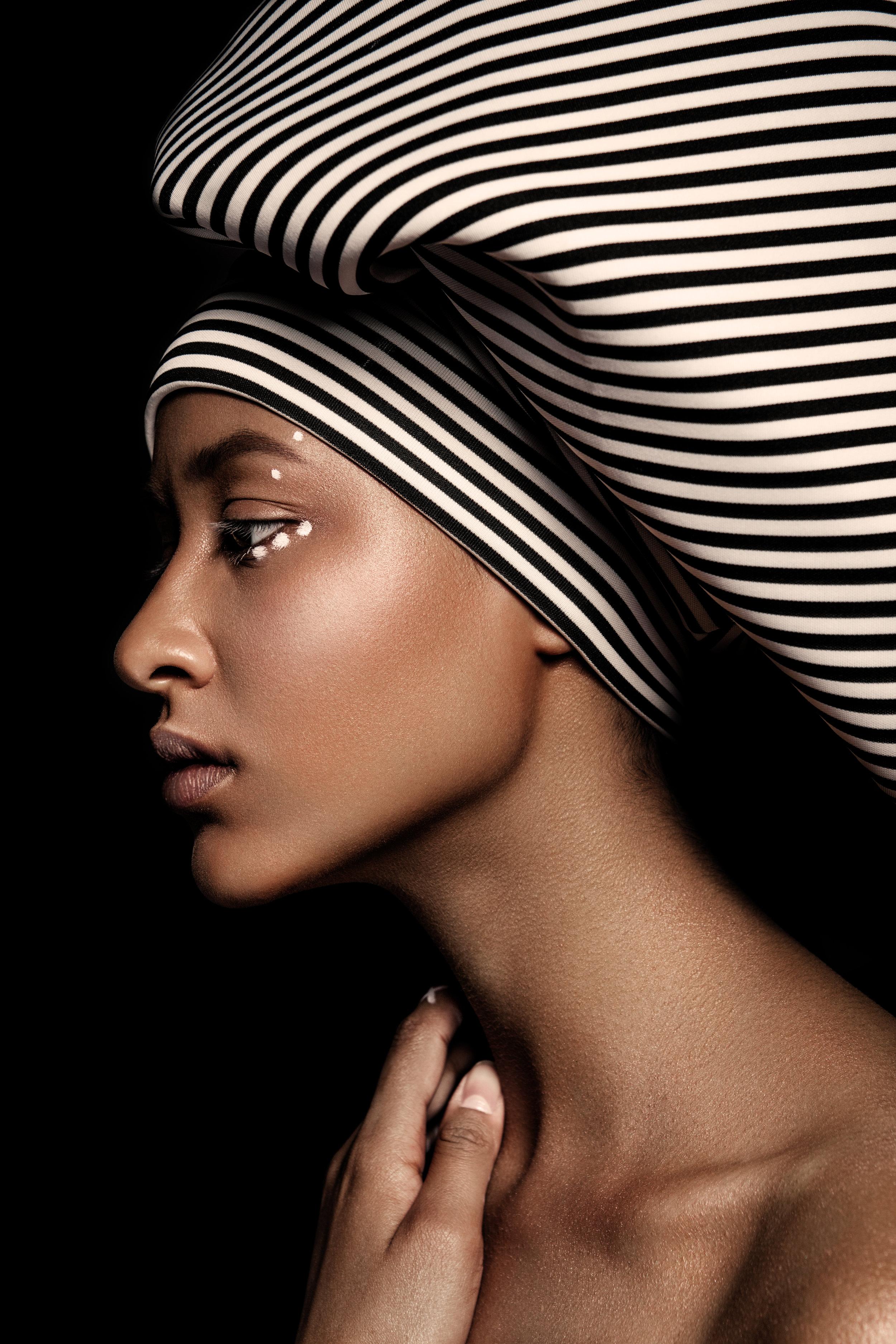 photodune-18575735-young-beautiful-fashion-model-xl.jpg