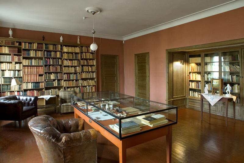 Gustav Vigeland's private library.  ©Vigeland Museum