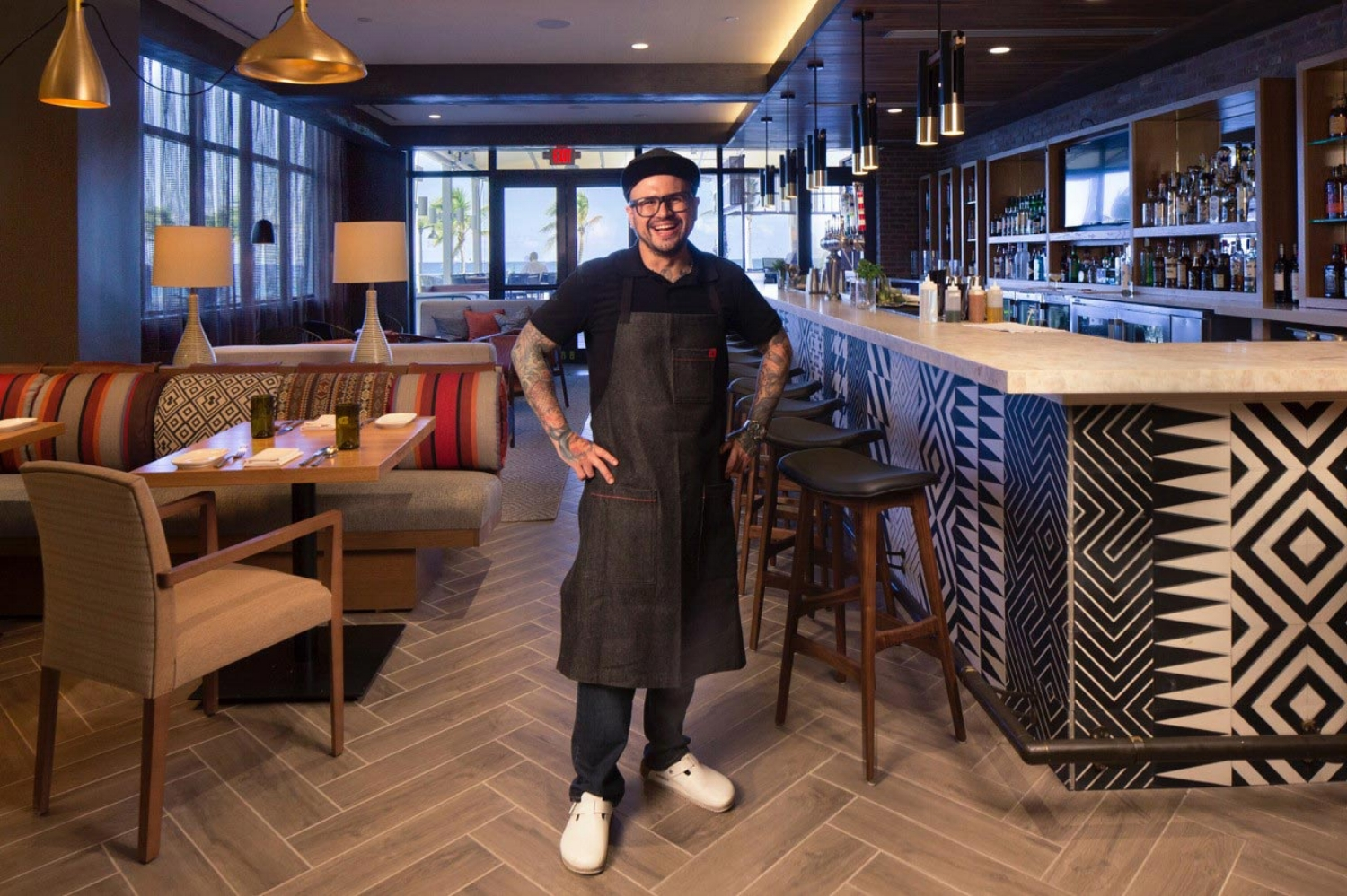 Lona Chef Pablo-bar.jpg