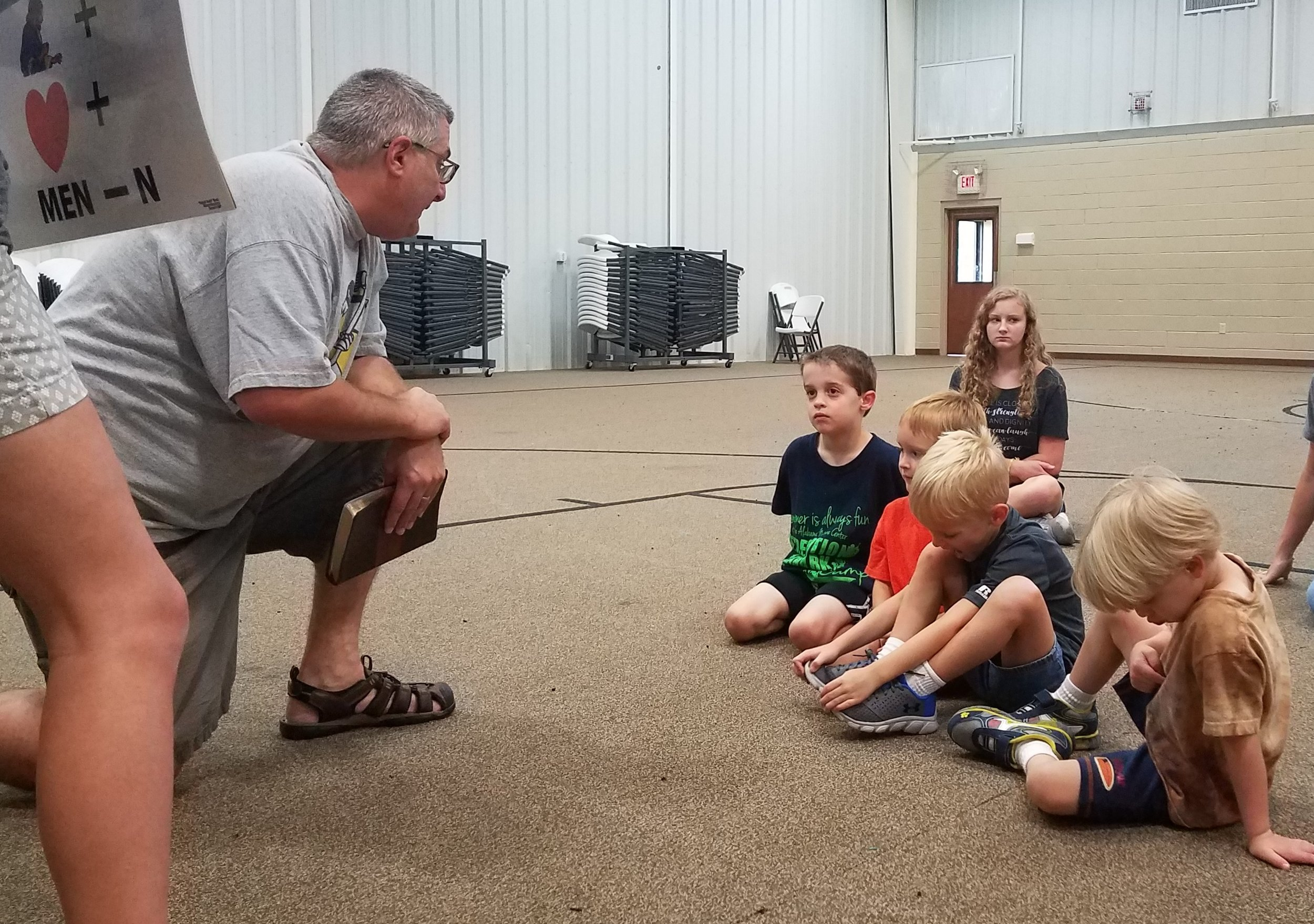 CJ Falcione of Gateway Baptist Church teaches about prayer at a  5-Day Club®  at Gateway Baptist Church in partnership with  CEF®  of Central Alabama. .