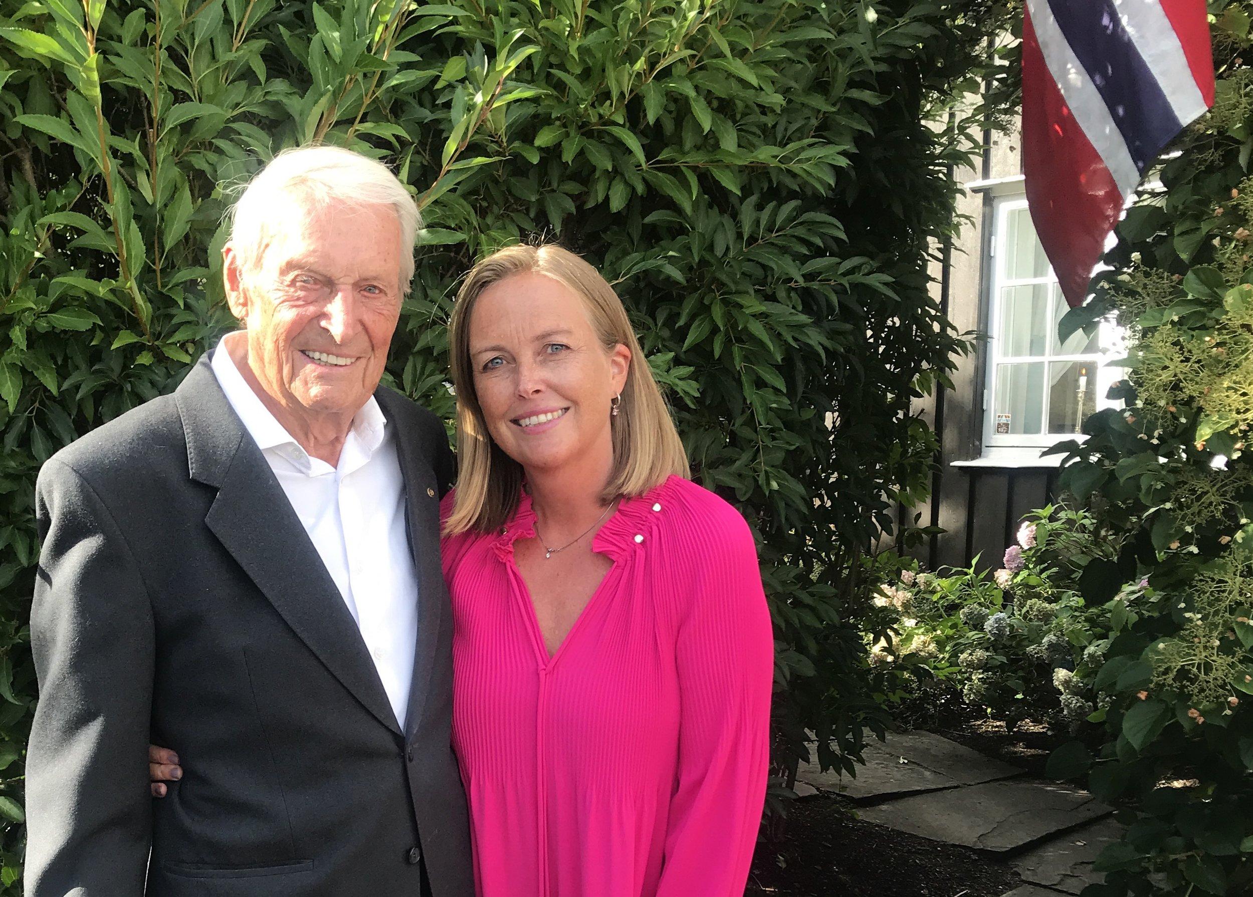 Far og datter på den store 90 års feiringen
