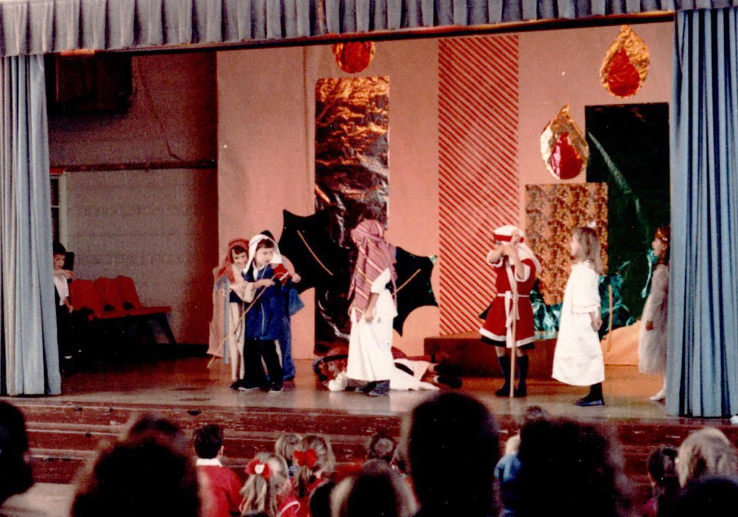 If I could be anything in the world, I would be an actor in Broadway musicals. (But I'm tone deaf so that was never going to happen.) The highlight of my acting career was the 1st grade Christmas play. I challenge you to find a more terrified shepherd (far left) as she clutches onto the boy she had a crush on because those angels are scary. That's drama!