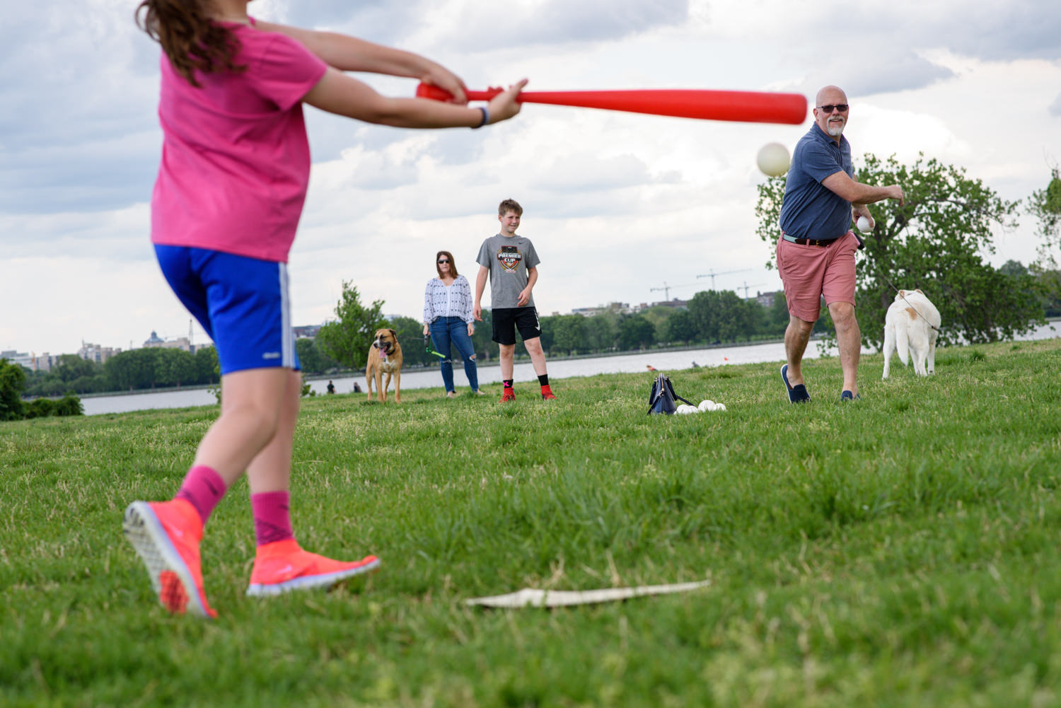 family plays baseball in gravelly point