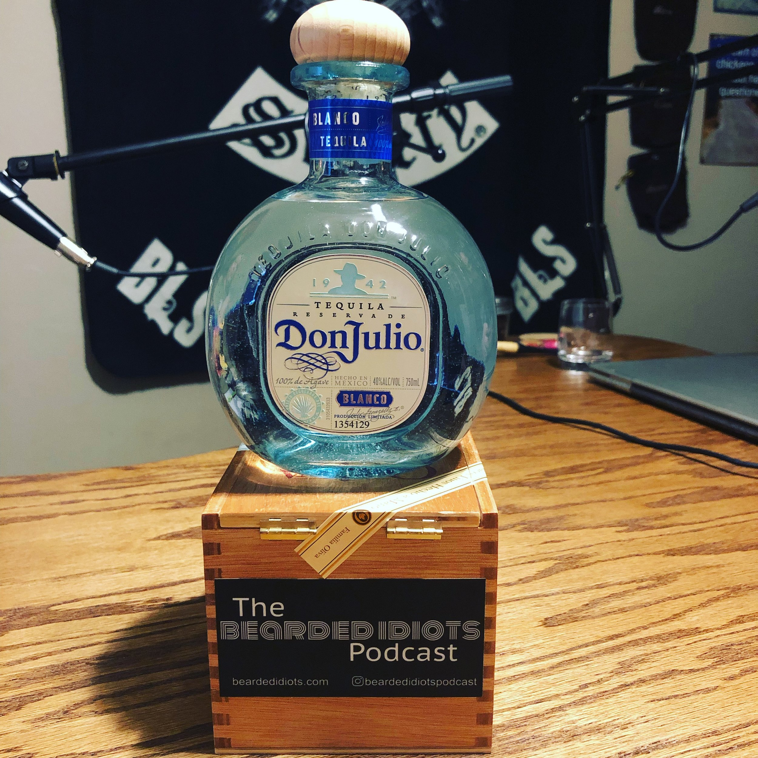 Episode the 49th - Hola Santiago - We start with a tequila review and then chat about Snyder, TX, a dog park with a bar, Podcasting with friends, and Kelly's preference in women