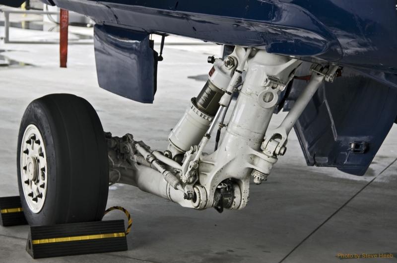 F-18 Tire