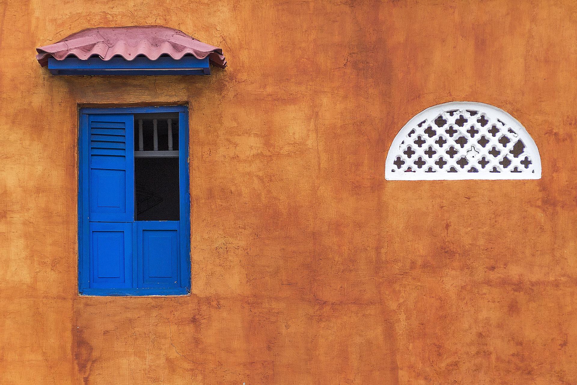 window-1565848_1920.jpg