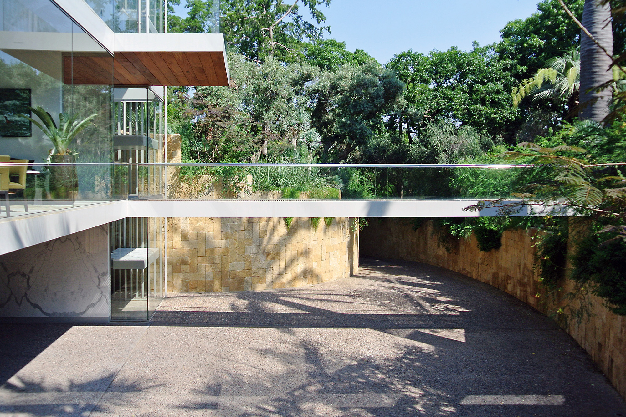03_Vertical House.jpg