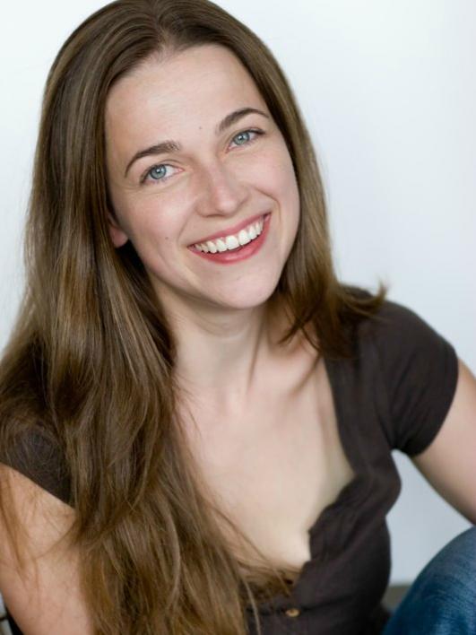 Jennifer Curfman headshot.png