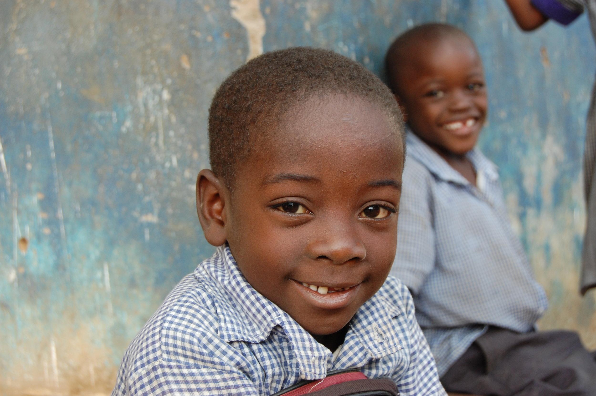 2012-kinderen-stichting-likoni-onderneemt-kenia-mombassa-school-kleinschalig-goed-doel (5).JPG