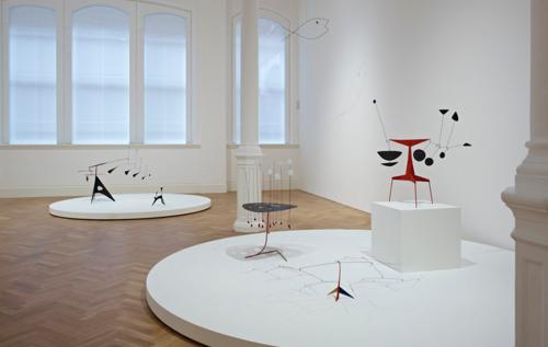 Alexander+Calder+-+Pace+Installation.png