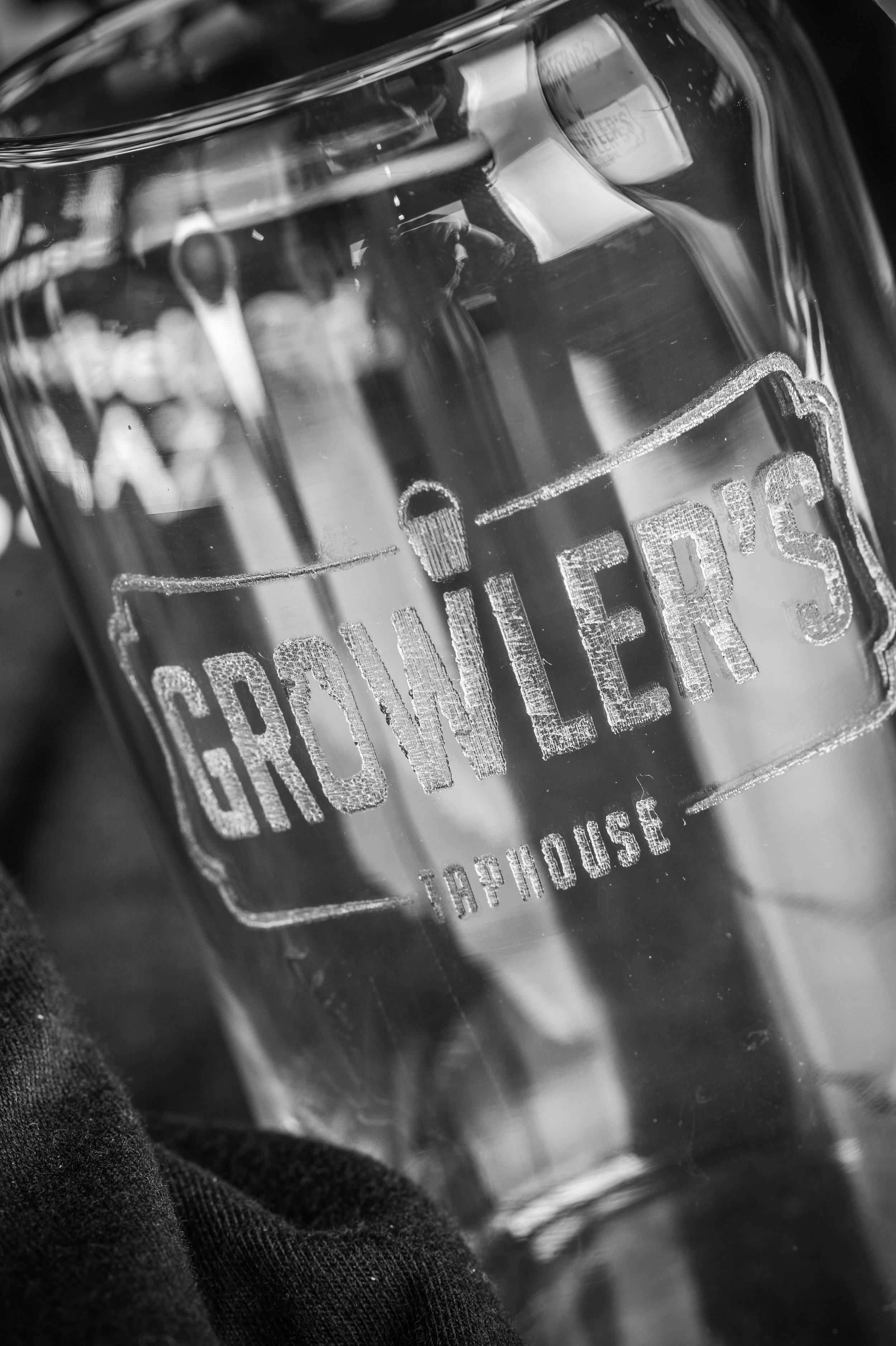GROWLER'S BEER CAN GLASS
