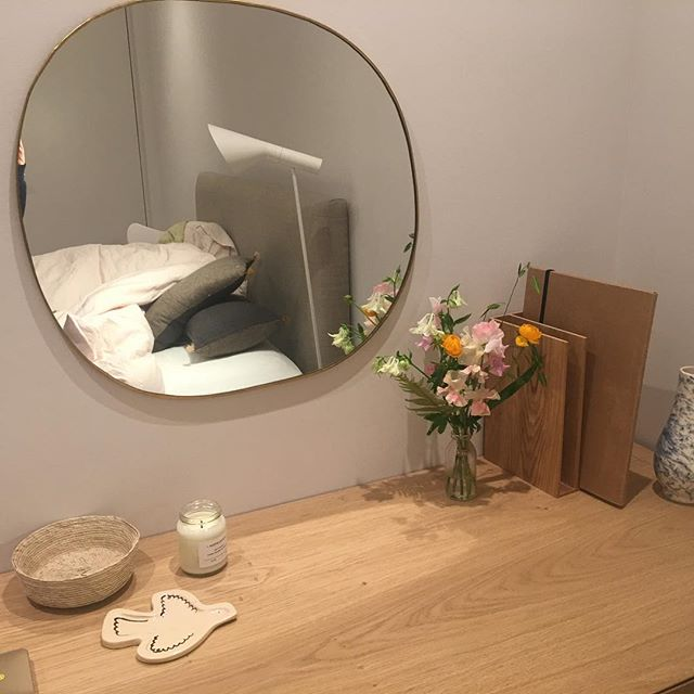 Love this new dressing table for teenage girl