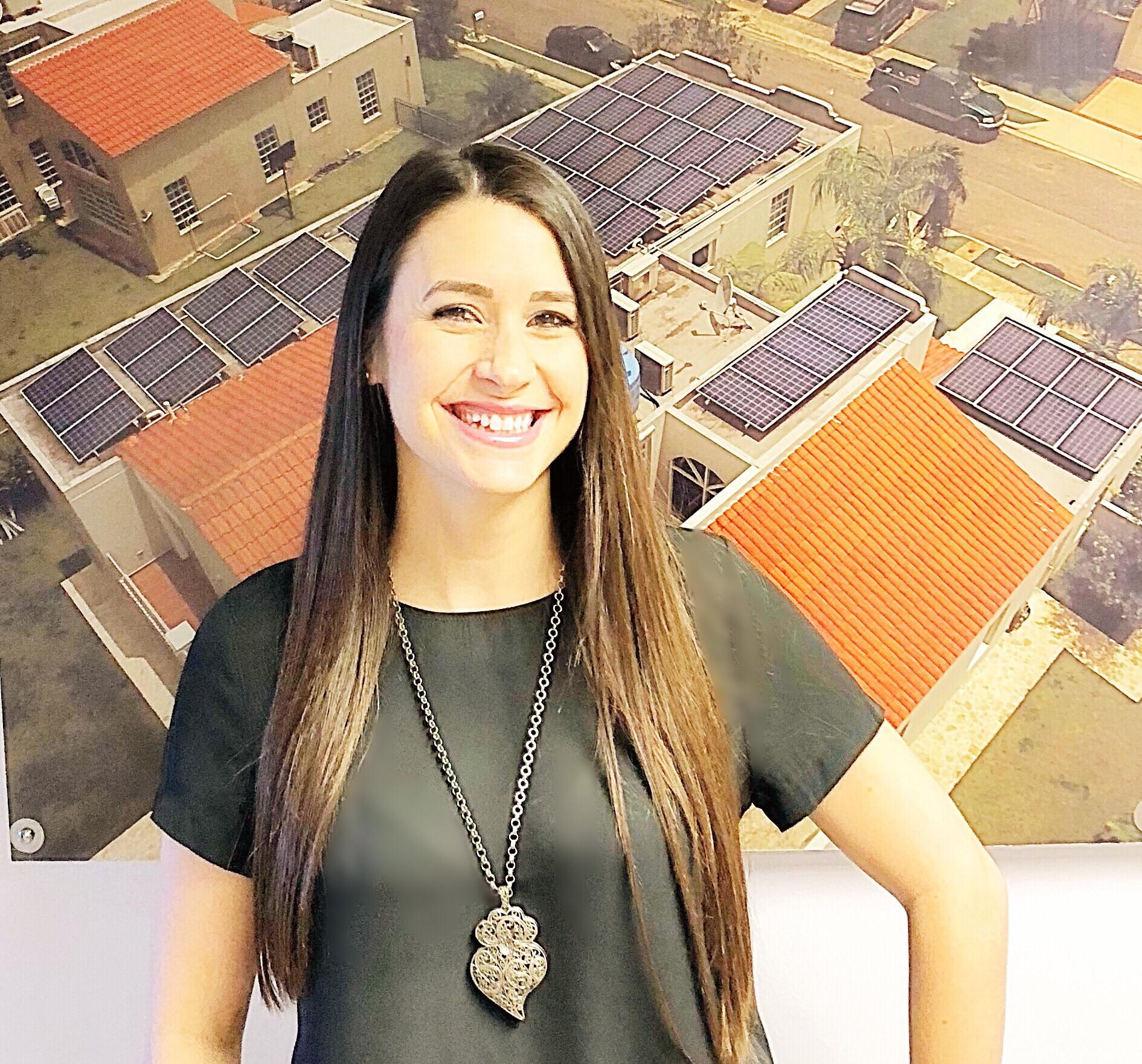 Tania Ruiz   Accounting Specialist