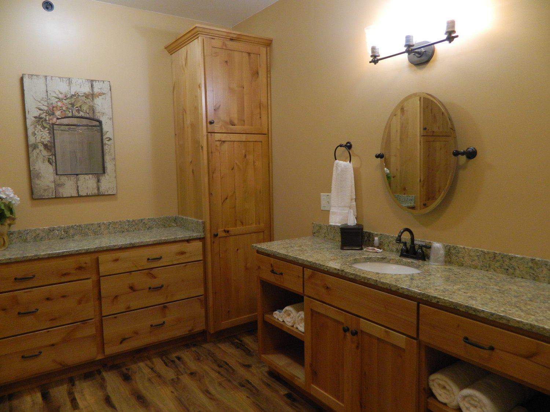 Bathroom (Suite #2)