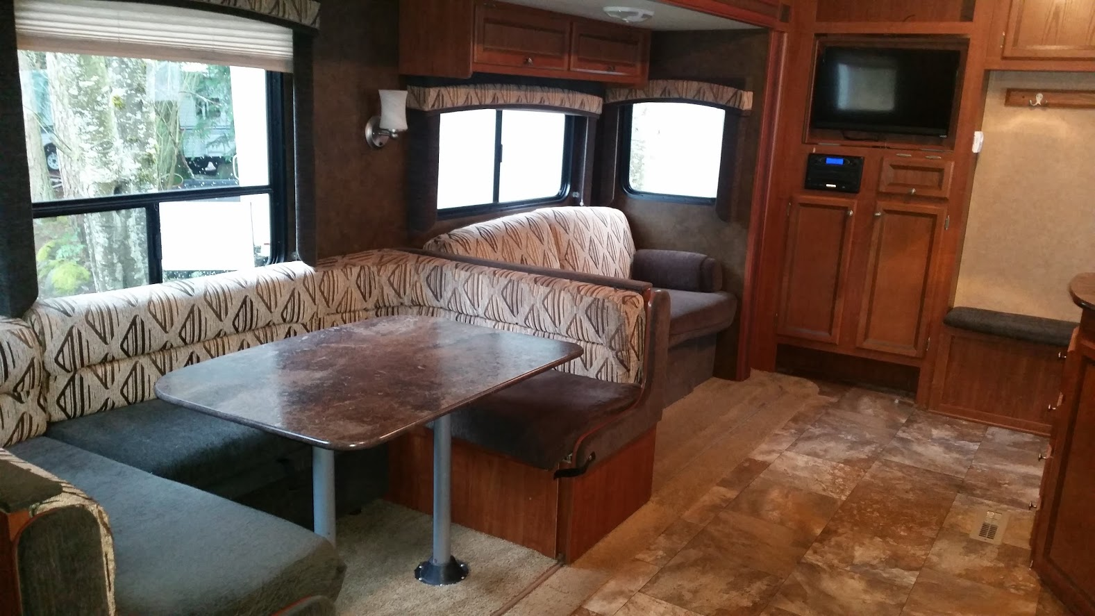 13Jayco Jay Flight - Inside#3.jpg