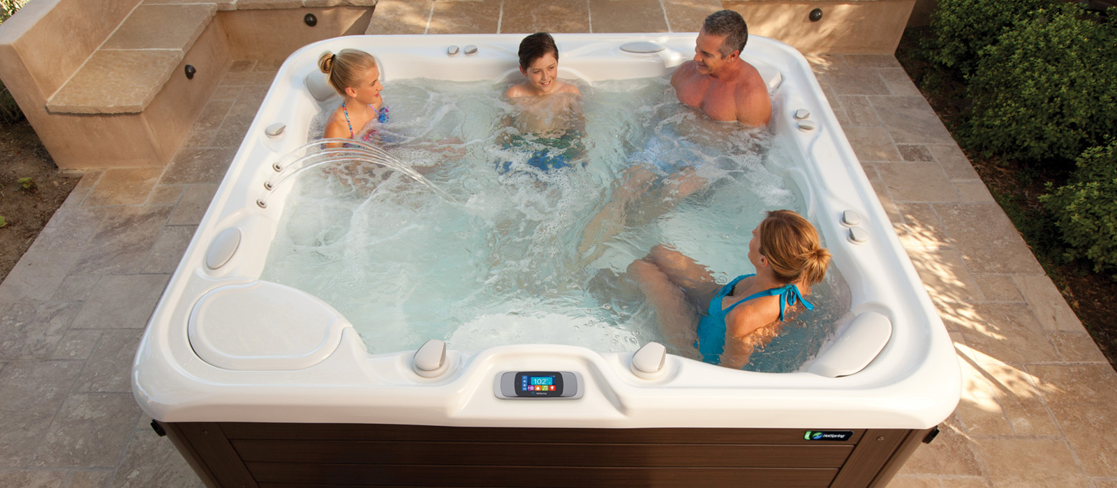 best-ideas-for-quality-family-time-hot-tub-spa-1600x700.jpg
