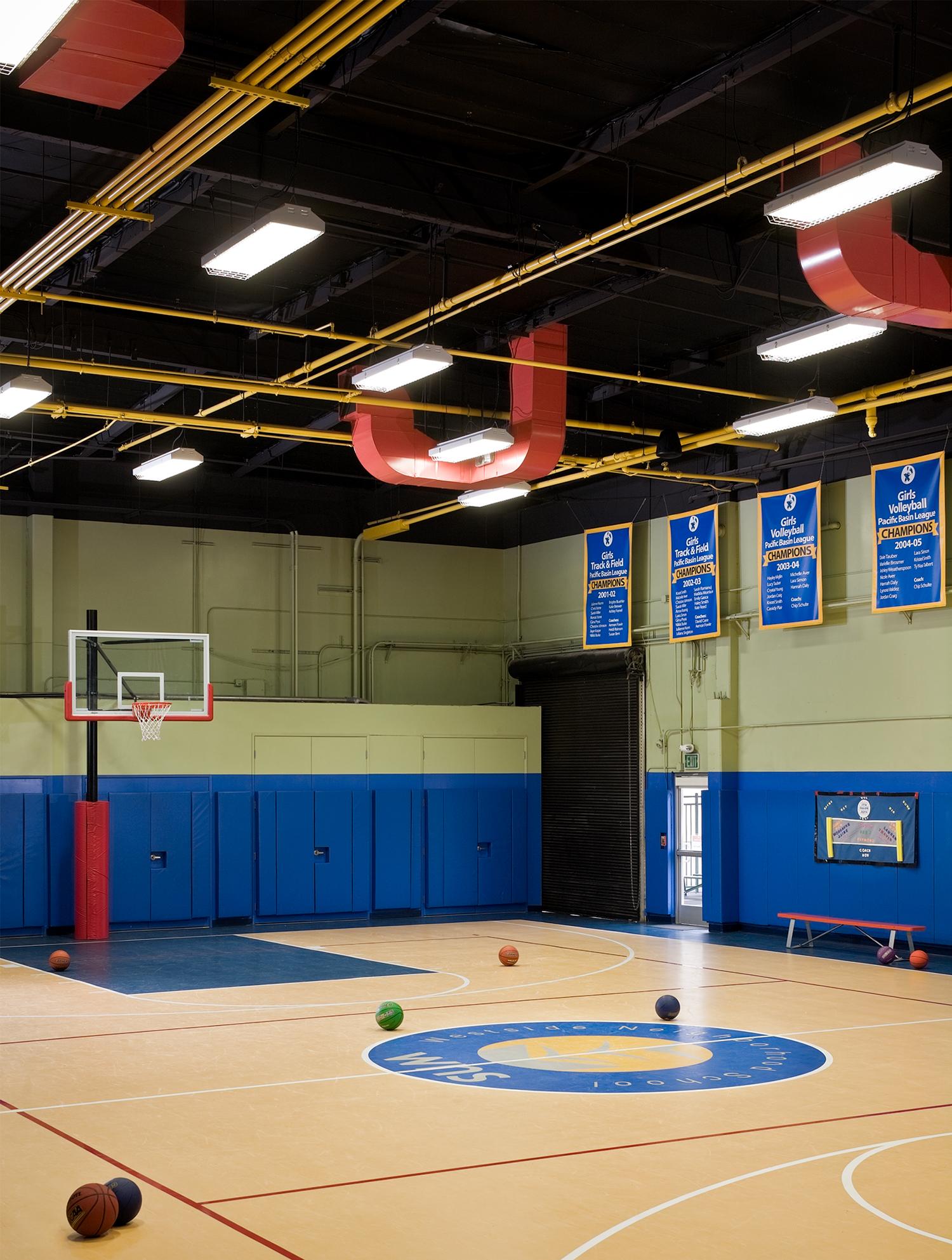 schoolbasketball.jpg