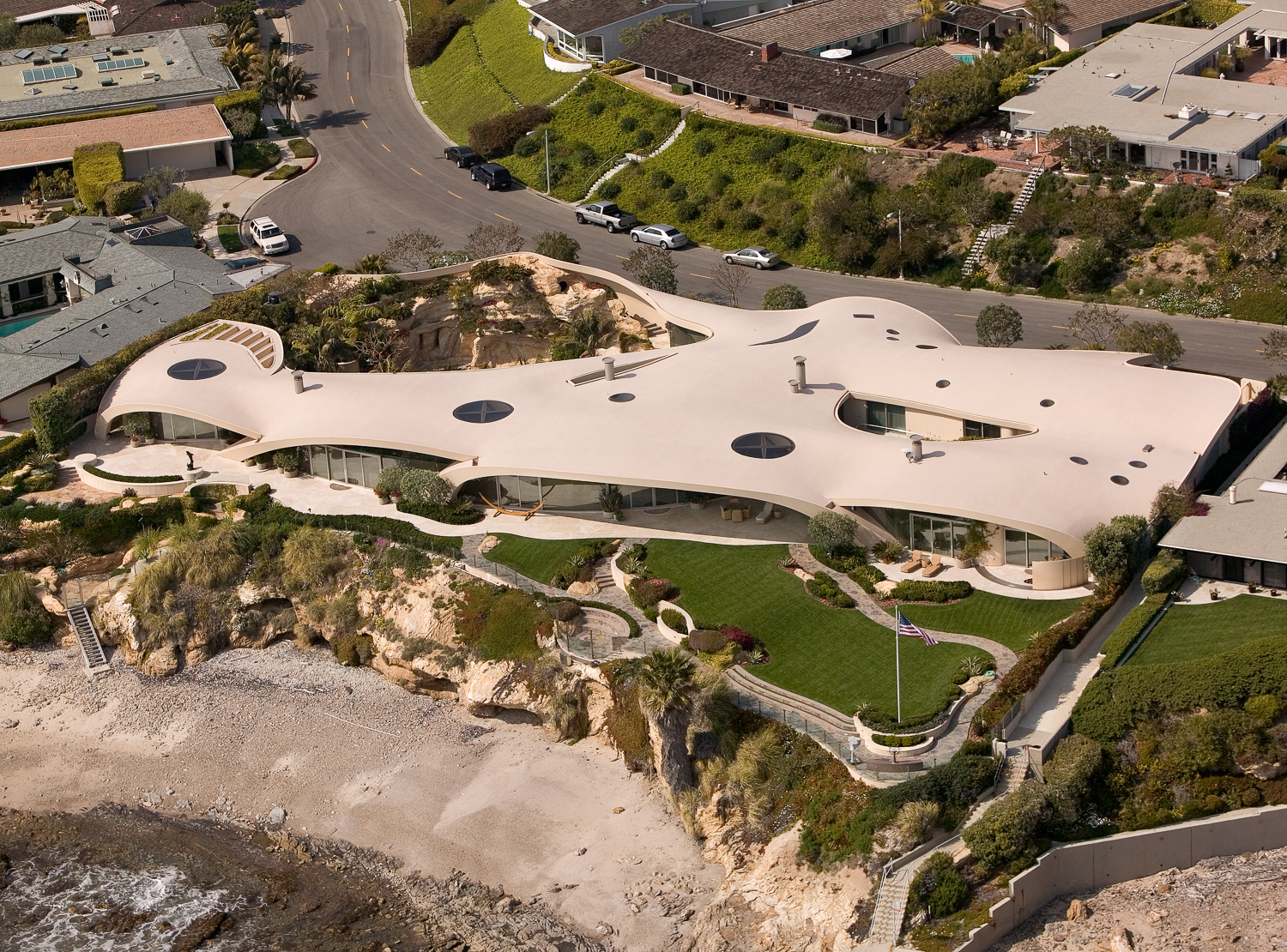 """Ariel photograph of the """"Portabella"""" house in Corona del Mar. Photographed from a helicopter for Bassenian Lagoni Architects."""