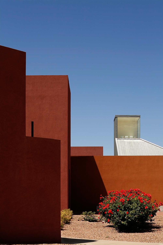 Daylight exterior of the University of New Mexico, Santa Fe. Photo produced as a part of portfolio development.