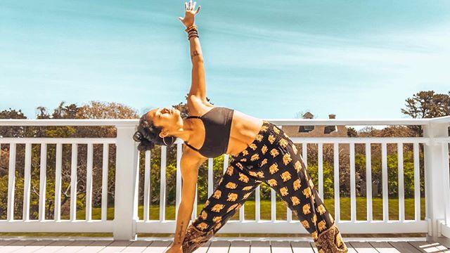 cleanse the fountain if you would purify the streams ~ amos bronson alcott ✨ • #trikonasana #trianglepose #outdooryoga #yogaflow #namaste