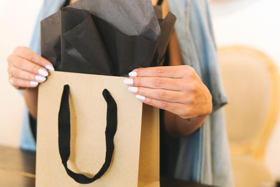 Shopping bags and labels -