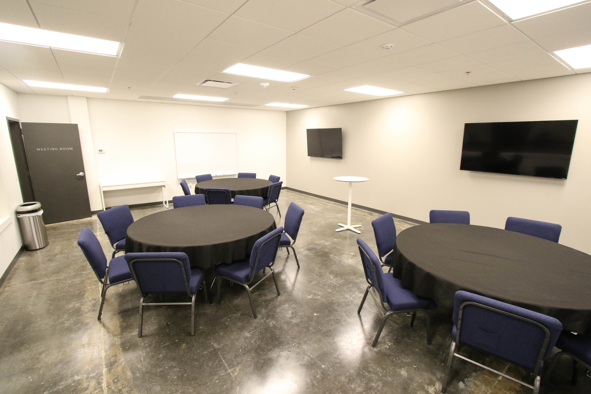 mmeting room 2.jpg