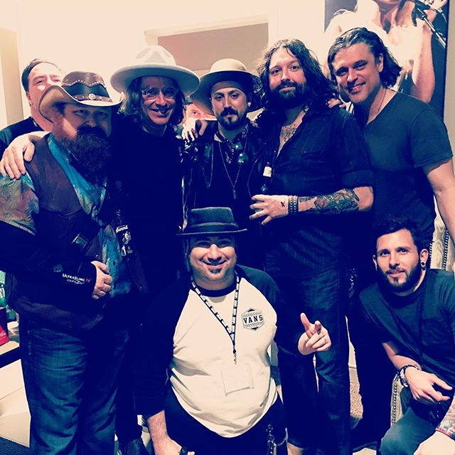 Thanks to @edgareroland1 and @collectivesoulofficial for a killer night! Can't wait to thrown down again soon!! #collectivesoul #thesummit #rocknroll