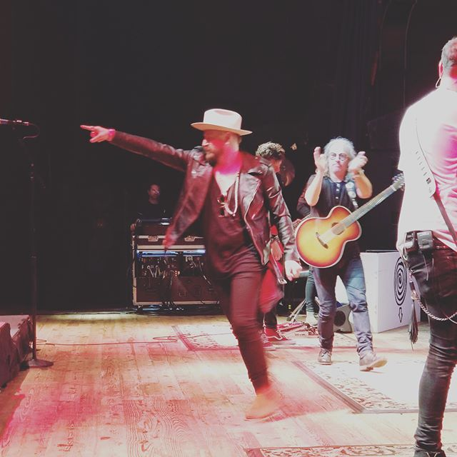 Thanks again to @collectivesoulofficial for another magical evening! We love you guys!! @hobmyrtlebeach your room and vibe was sensational!! #rocknroll #collectivesoul #houseofbluesmyrtlebeach #myrtlebeach #tourlife #rocknrollisalive #everydayheroshoes #stetson