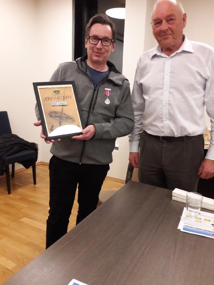 Jan Lyngen fikk pris for sine mangeårige bidrag i snowboard og freeski-miljøet.