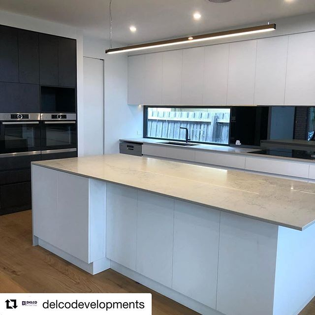#Repost @delcodevelopments with @repostapp ・・・ How about a new house for Christmas? One sleep left for this family to move into this renovation/extension in Bentleigh!  #bentleigh #builder #kitchendesign #blackandwhite #architecture #design #interiordesign #interior #custom #customhome #custom #designinspiration #homeinspiration #kitcheninspiration