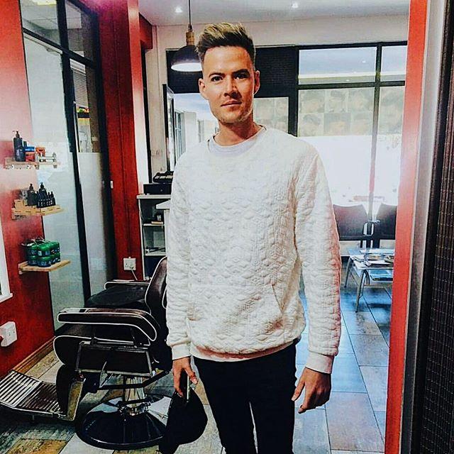 @ahcenkabyle always making me look FRESH🤜🏻🔥😍 hands down the best men's hairstylist in Pretoria! · · · · #freshcut #pretoria #southafrica #kultmodels #style #fashion #picoftheday #instagram #postoftheday