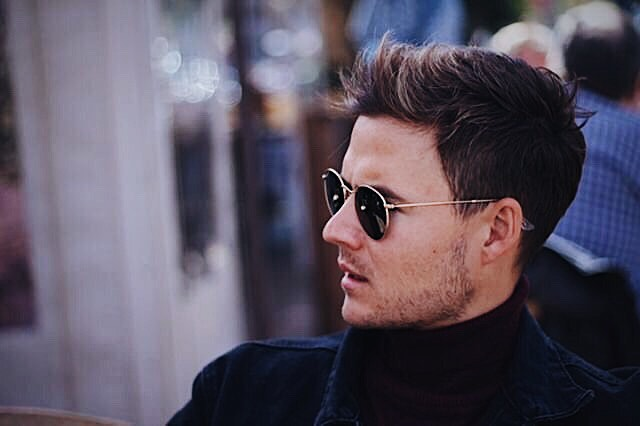 Winter = Polo neck days + great coffee and paparazzi (JK) ! Enjoy the weekend everybody!· · · · · 📸: @noblue.withoutyellow #fashion #lifestylephotography #leisure #portrait #me #kultmodels #malemodel #photooftheday #instagram #grammerph #picoftheday #style #capture #moment #coffee #solideogloria #NYMMMen #madeinafrica