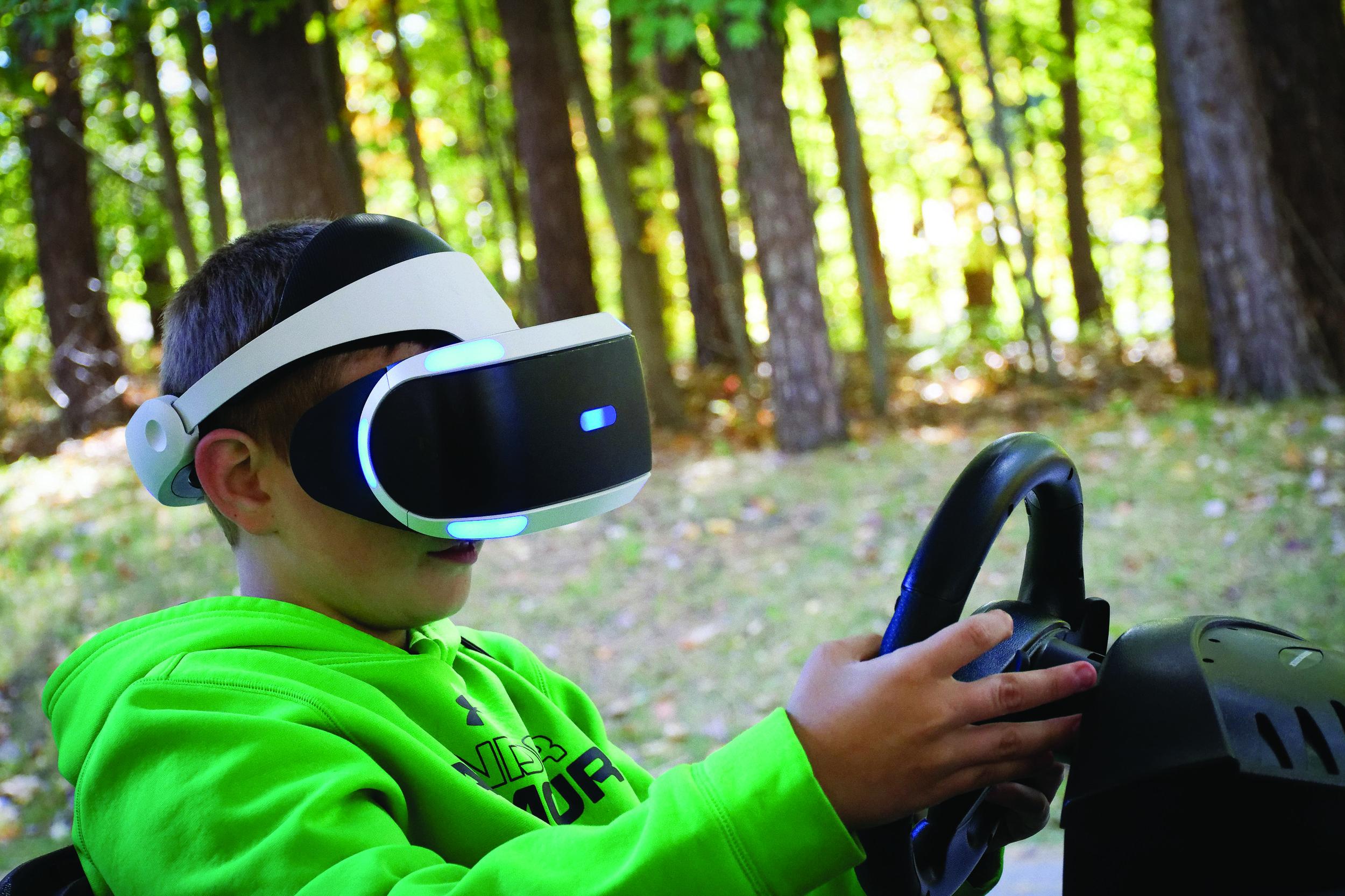2. auto show-kid VR.JPG